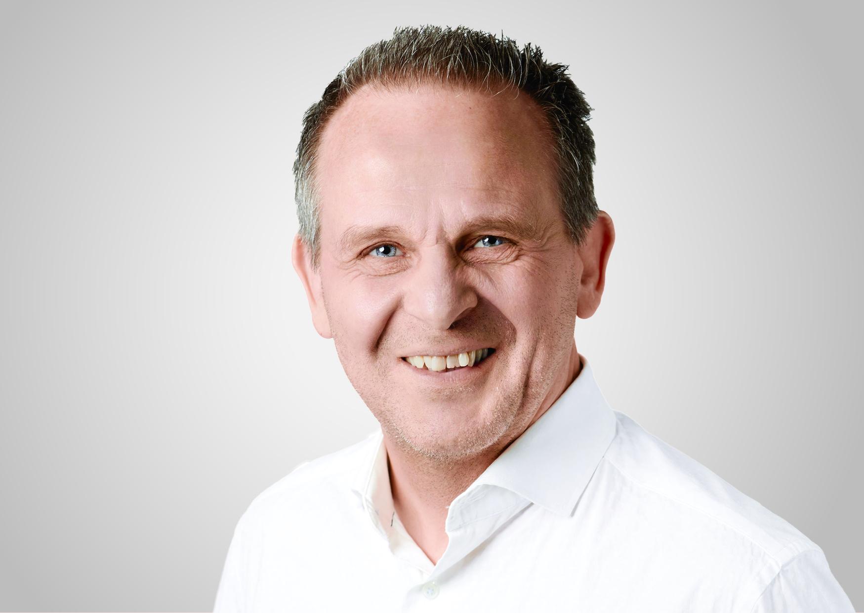 Ekkehard Hostert